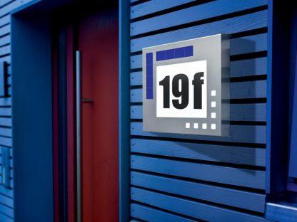 Huisnummer op zonne-energie Design 1